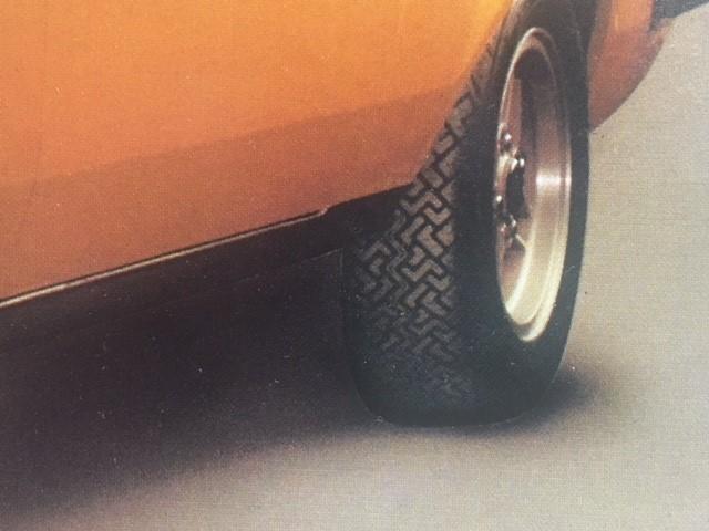 RS 2000 close up rear wheel CN36 175-70R13.jpg