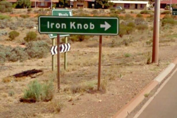 Sign-for-Iron-Knob-in-Queensland-Australia.jpeg.d3cec68c96007de31a5f6e49525c0460.jpeg