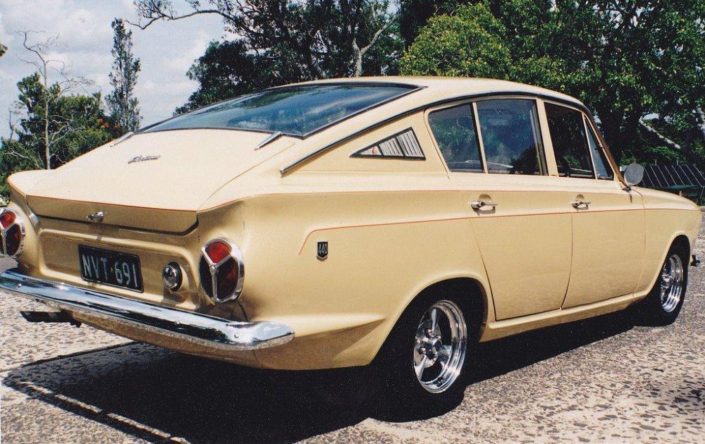 CortinaFastback2.thumb.jpg.73aeac63381753f6f89e0c12abdc42ba.jpg