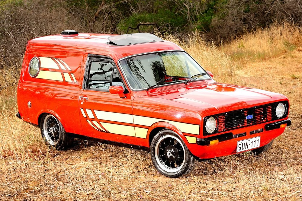 Ford-Escort-Sundowner-side-angle-1422-(1).thumb.jpg.e831239e3a248589eabad34f31d20e86.jpg