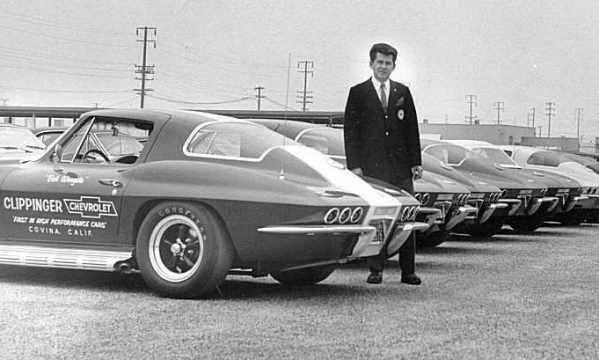 Bob-Wingate-with-six-lamp-Corvette.jpg.dedcf05f3b18cfb40cf8309668e4fee6.jpg