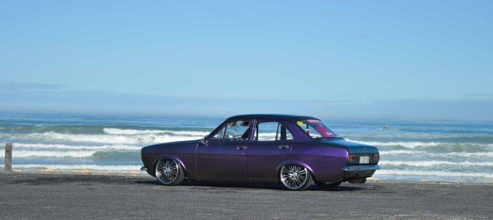 Purple4door.thumb.jpg.cb48ed634a922f9a098d08b6dc5b4714.jpg